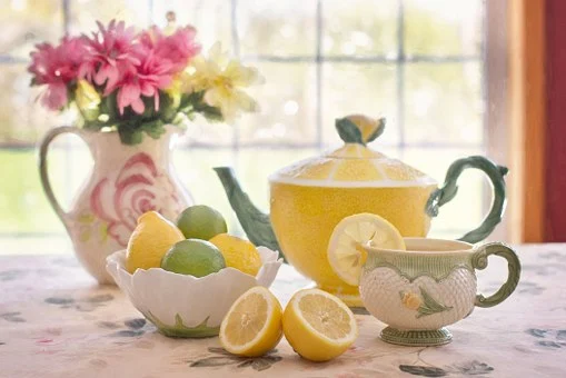 lemons and a teapot
